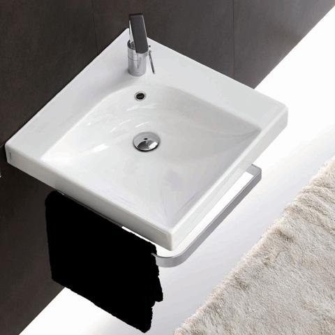 Vägghängd toalett montering