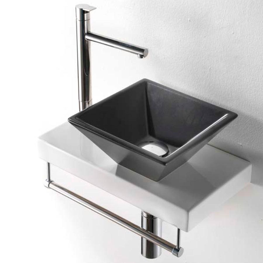 Italienska varumärket inom badkar, tvättställ, badrumsmöbler, handfat,