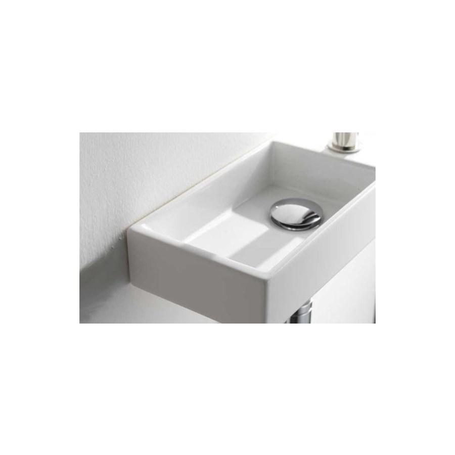 Litet tvättställ till den smala badrummet. made in italy